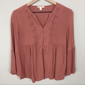 Francesca's Mi Ami | Embroidered Lace Blouse